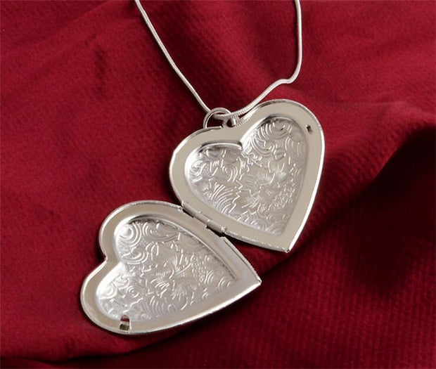 Fold-able Heart Necklace