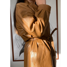 Load image into Gallery viewer, Vintage '80s brown leather coat
