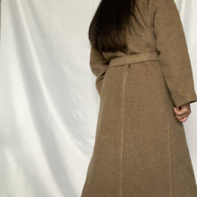 Load image into Gallery viewer, Find Pre-Owned Lama Mohair Vintage Coat at Thrifted Vintage Store Amsterdam