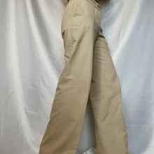 Load image into Gallery viewer, This is a pre-owned vintage Max Mara pants. You can buy it at Thrifted-Vintage.com