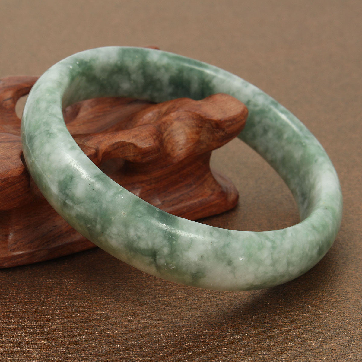 Chinese Green Jade Gemstone Bangle Bracelet Jewelry