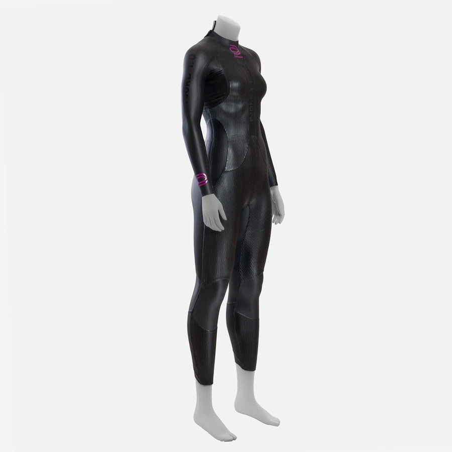 deboer Fjord 1.0 triathlon and open water swimming elite race wetsuit.  Women's.  Front side view. Black with purple deboer logo
