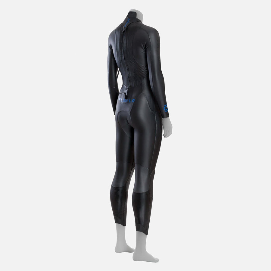 deboer Floh 1.0 triathlon and open water swimming elite race wetsuit.  Women's.  Rear side view. Black with blue deboer logo