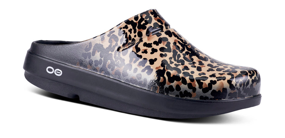 Women's OOcloog Limited Edition Clog - Leopard