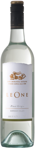 Pear and apple flavours with citrus acidity and chalky texture which typifies this variety. The finish is dry and crisp in the traditional Pinot Grigio style.
