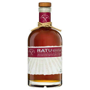 RATU 8 Year Old Signature Premium Rum Liqueur is aged in charred oak barrels then filtered through coconut shell carbon. Combined with a mixture of ingredients to produce rich complex flavours of dark chocolate, coffee, coconut and the zest of orange.