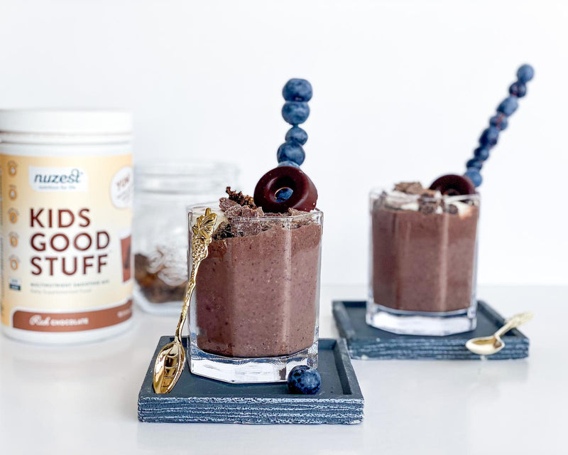 CHOCOLATE BLUEBERRY NUT-CRUNCH SMOOTHIE