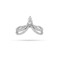 QUEEN PEAR ROUND DIAMOND RING