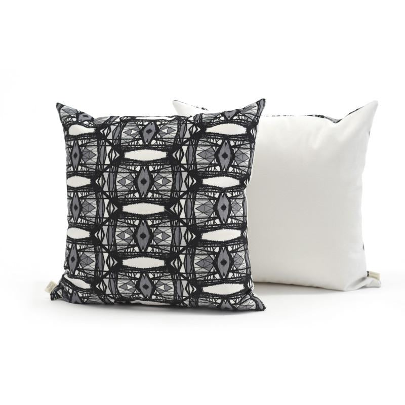 Cushion cover  - Cat's eye [assorted colours and sizes]