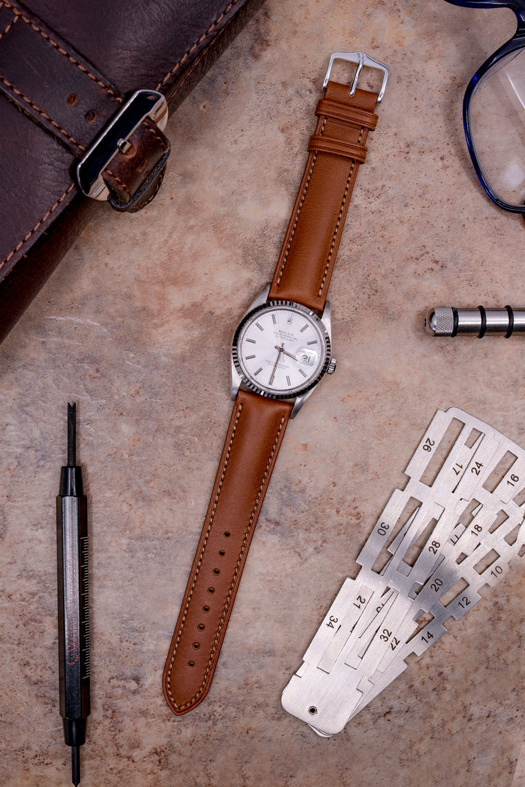 Hirsch KENT Textured Natural Leather Watch Strap in GOLD BROWN