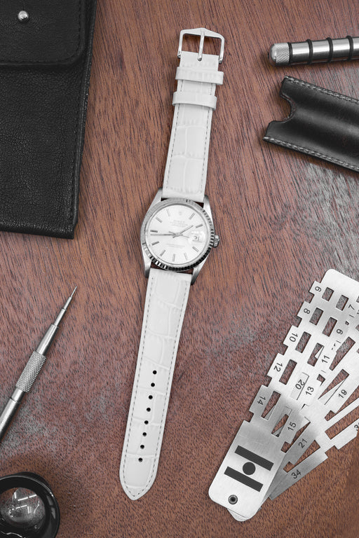 0e862f036 Hirsch LOUISIANALOOK Alligator Embossed Leather Watch Strap in WHITE ...