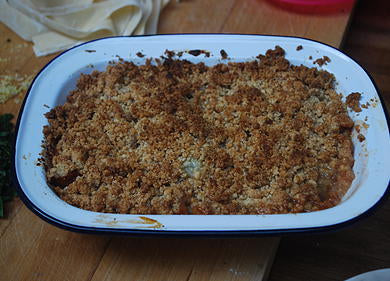 Gooseberry and rhubarb crumble
