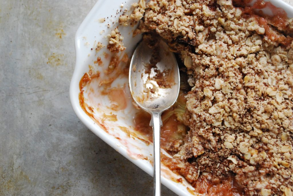 Rhubarb and date crumble
