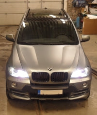 BMW X5 e70 xenon angel eyes