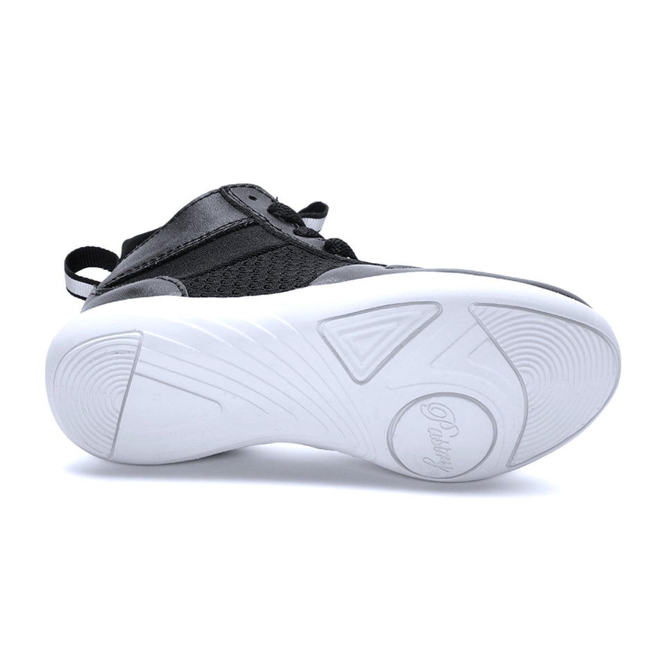 Pastry Ultimate Hip Hop Youth Sneaker in Black/White