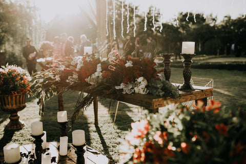 Two Lovers - How to design the perfect tablescape - Wedding reception decor
