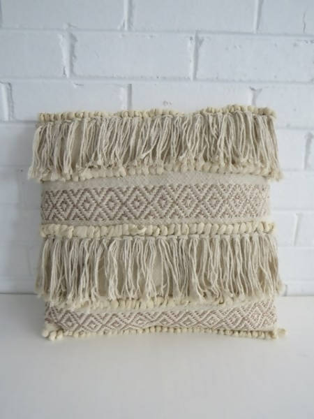 THE FRINGE CUSHION
