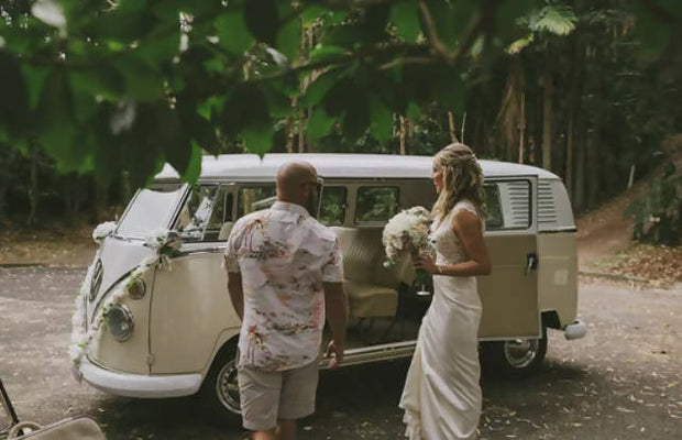 'Frankie' our cream & white 1964 Split-screen VW Kombi - 2-Hour Exclusive Package in Byron Bay