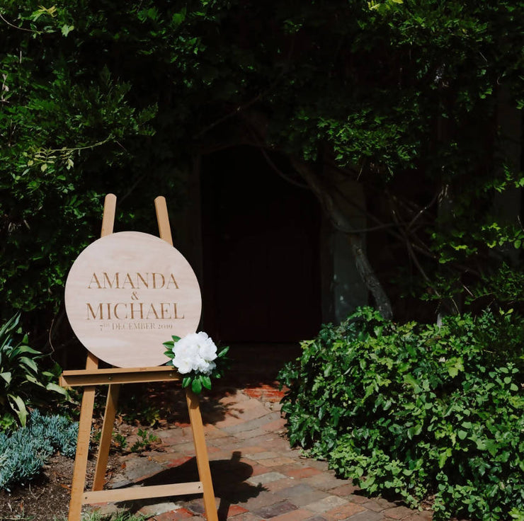 ENGRAVED ROUND WOODEN WELCOME SIGN