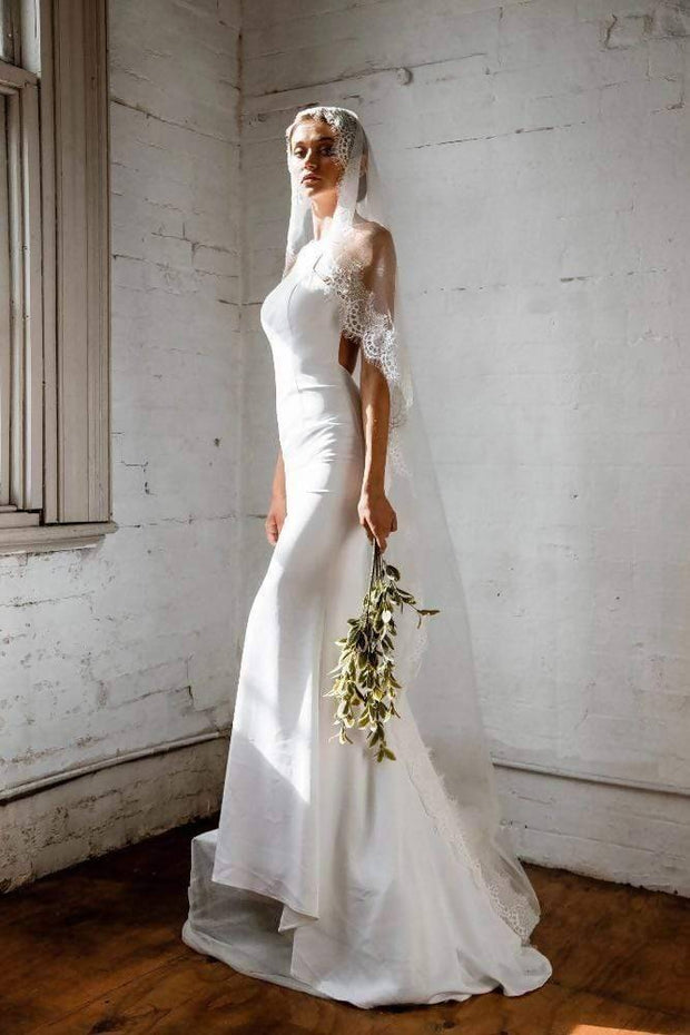 GRACE - IVORY LACE BRIDAL VEIL