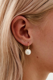 MILLIE - 18K GOLD SINGLE PEARL EARRINGS