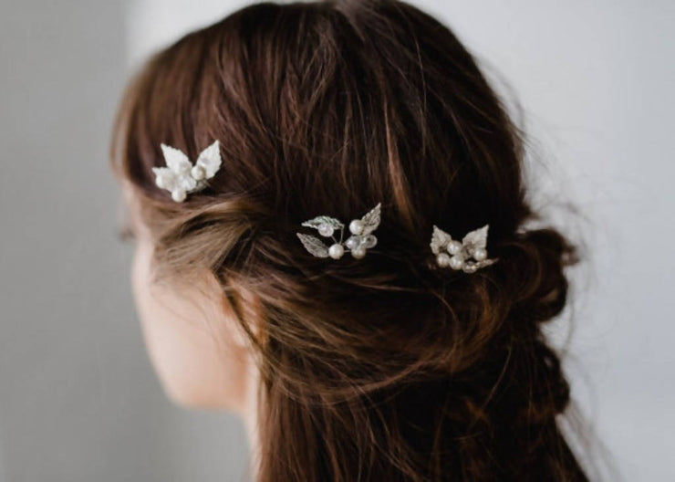 BRIDGETTE LEAF AND PEARL HAIR PINS