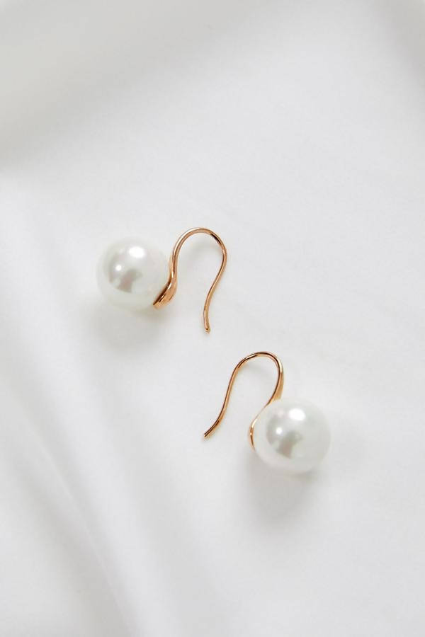 MILLIE - ROSE GOLD SINGLE PEARL EARRINGS