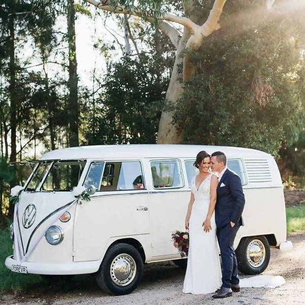'Frankie' our cream & white 1964 Split-screen Kombi - 3 Hour Exclusive Package in Byron Bay