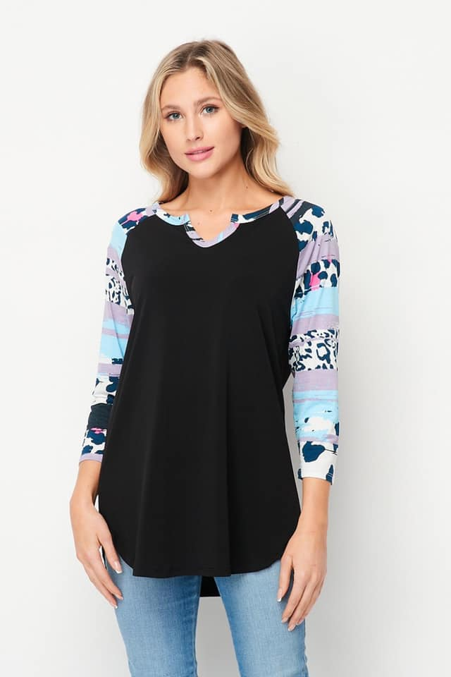 Black body with blue printed 3/4 sleeve top