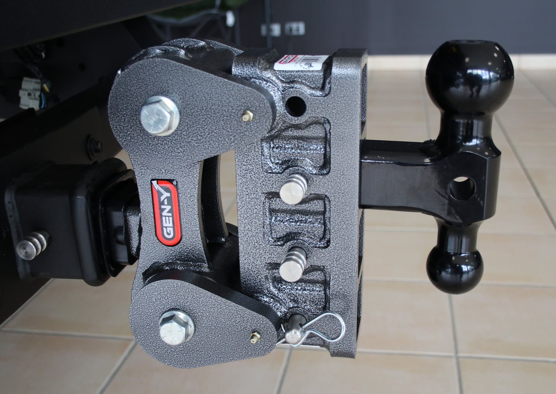 Gen-Y Hitch GH-1014-A57 50mm and 70mm Ball