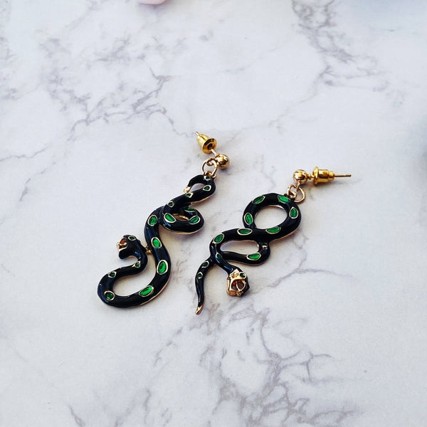'Nagini' Dangle Snake Earrings - KawaiiKandi
