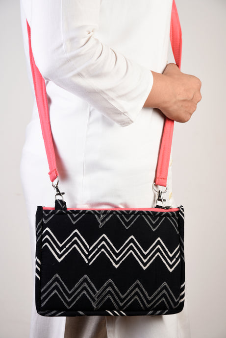 Everyday Sling Black & Pink