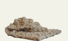 Load image into Gallery viewer, Natural Chunky Knit Throw