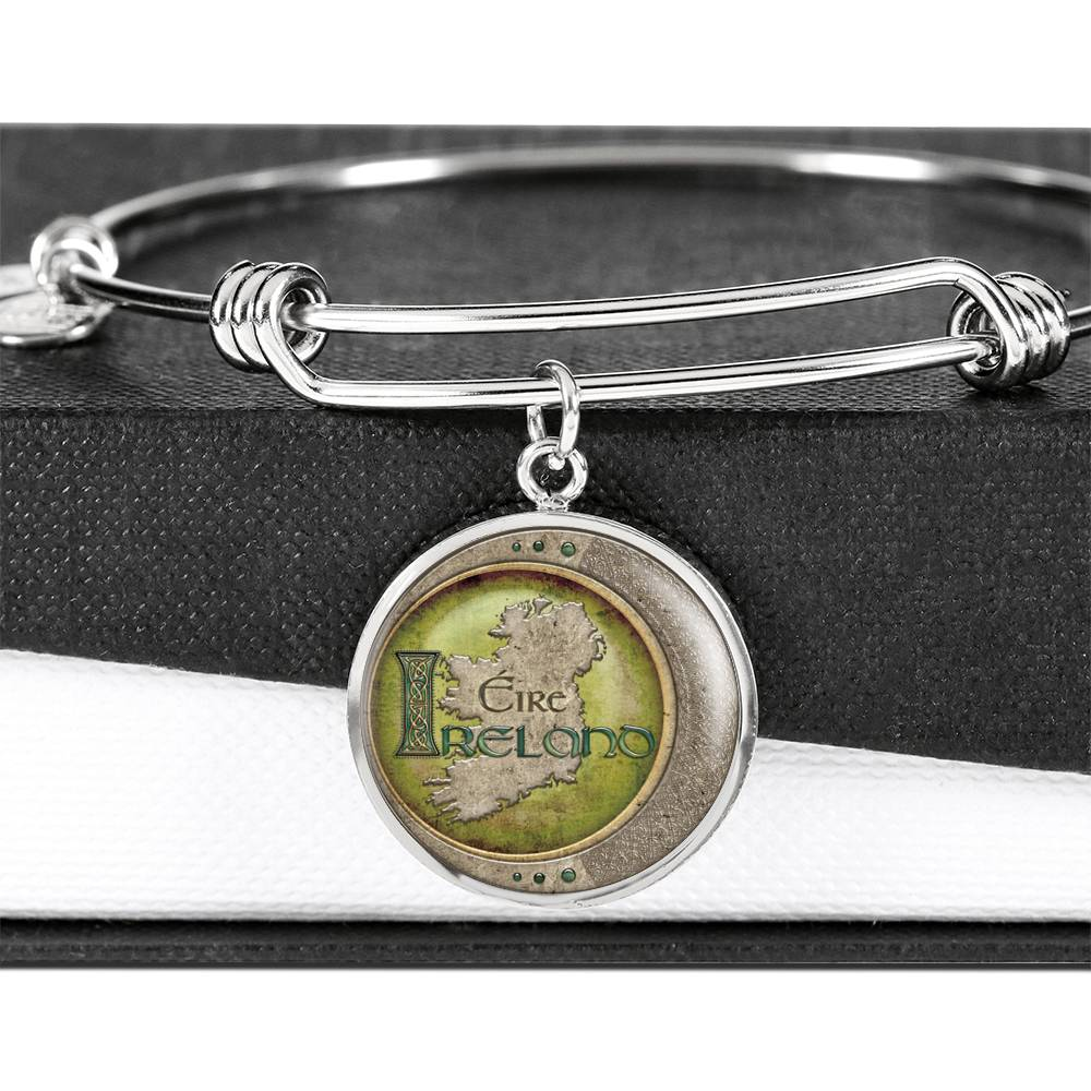 Ireland Map Circle Pendant Bangle Bracelet (🇺🇸USA Made)
