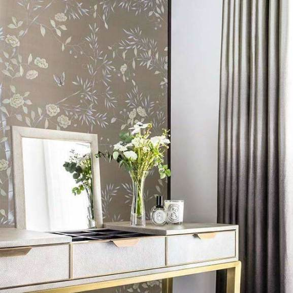 Chantilly Custom behang De Gournay Selected wallpapers by OOSTENDORP