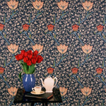 Garden Tulip behang Morris & Co Selected wallpapers by OOSTENDORP