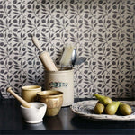 Rosehip behang Morris & Co Selected wallpapers by OOSTENDORP