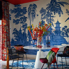 Exotic Chinoiserie Blue White behang Iksel Selected wallpapers by OOSTENDORP