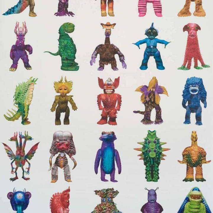 Monster Family Blanc Multicolore behang Pierre Frey Selected wallpapers by OOSTENDORP