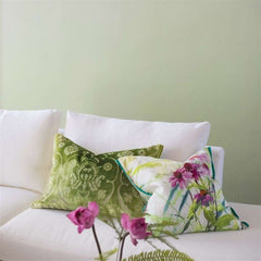 Saraille behang Designers Guild Selected wallpapers by OOSTENDORP