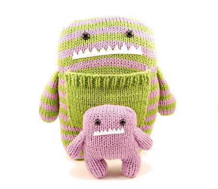 Daphne & Delilah the Momma & Baby Monster Knitting Pattern | Danger Crafts