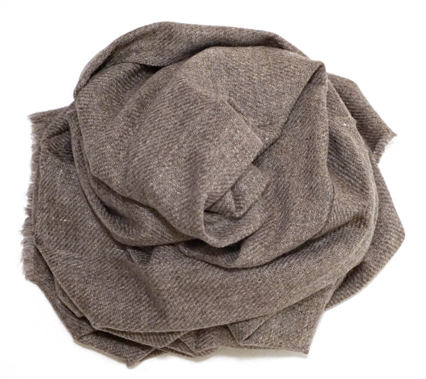 Thin cashmere wool scarf. Extremely soft feel, a perfect boyfriend gift idea - Marie-Pierre Rousseau