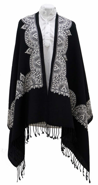 Black woolen shawl with white beautiful Black woolen shawl with white beautiful edge artwork - Marie-Pierre Rousseau artwork - Marie-Pierre Rousseau