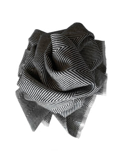 Charcoal and white handmade scarf. Hipster style in delicate cashmere - Marie-Pierre Rousseau