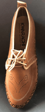 Load image into Gallery viewer, Womens Leather Mexican Shoes. Zapatos de mujer, light Brown Color