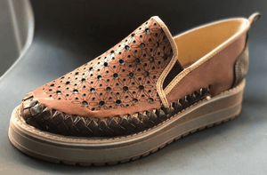 Womens Leather Star Pattern Mexican Shoes. Zapatos de mujer, Brown Color