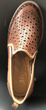 Load image into Gallery viewer, Womens Leather Star Pattern Mexican Shoes. Zapatos de mujer, Brown Color