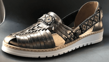Load image into Gallery viewer, Womens Leather Mexican Sandals. Huarache, Bronze Color