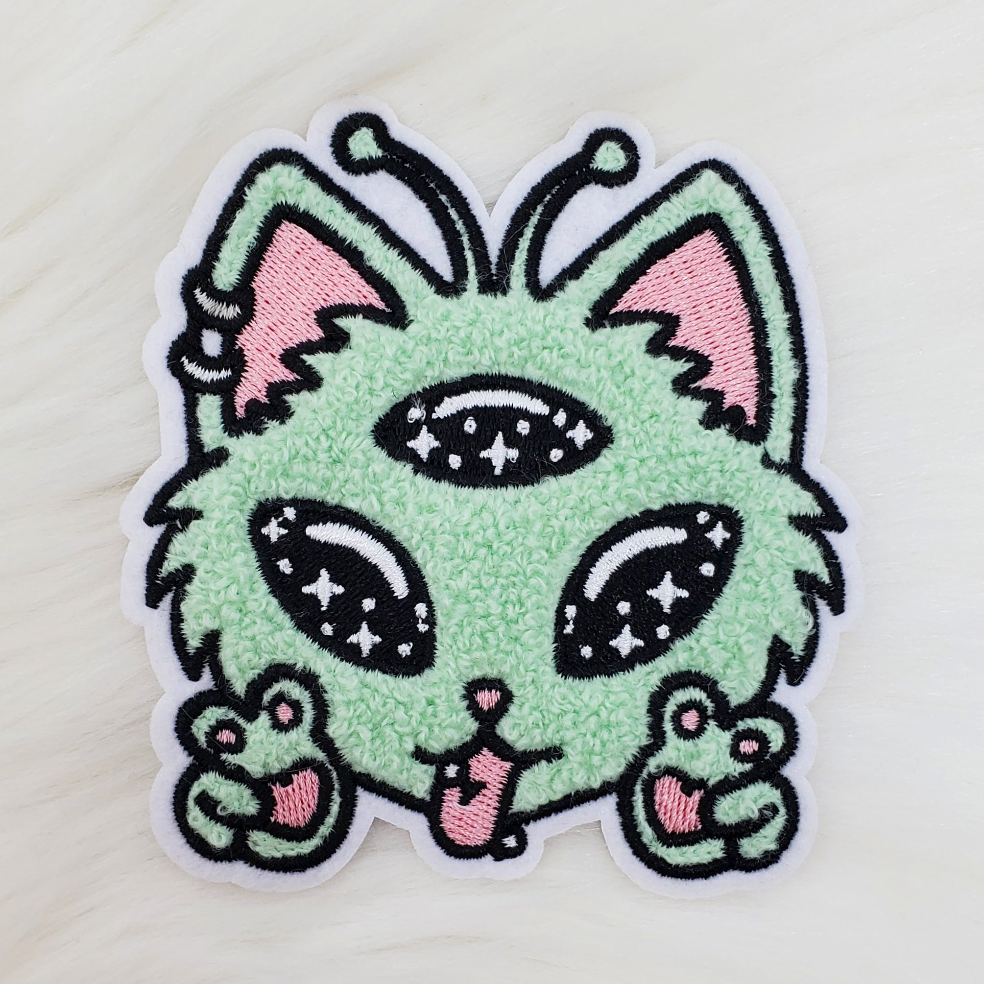 ♡ Alien Kitty Chenille Iron-On Patch ♡