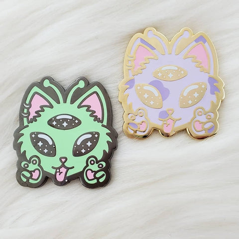♡ Alien Kitty Enamel Pin ♡